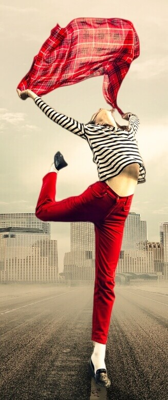red_jeans_happy_hair